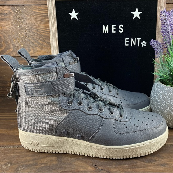 timeless design 9b247 3b795 Nike SF Air Force 1 Mid Men's Shoes NWT